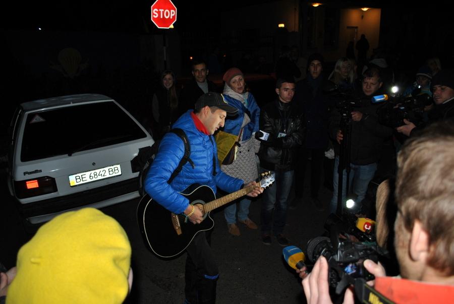 Город Николаев встречает 79-ю Аэромобильную Бригаду из зоны АТО 0176