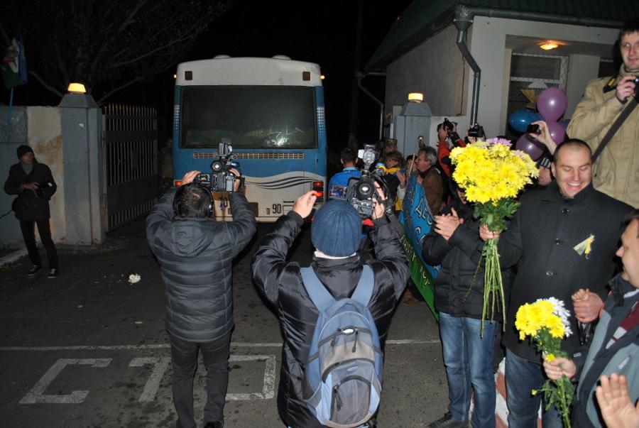 Город Николаев встречает 79-ю Аэромобильную Бригаду из зоны АТО 0367