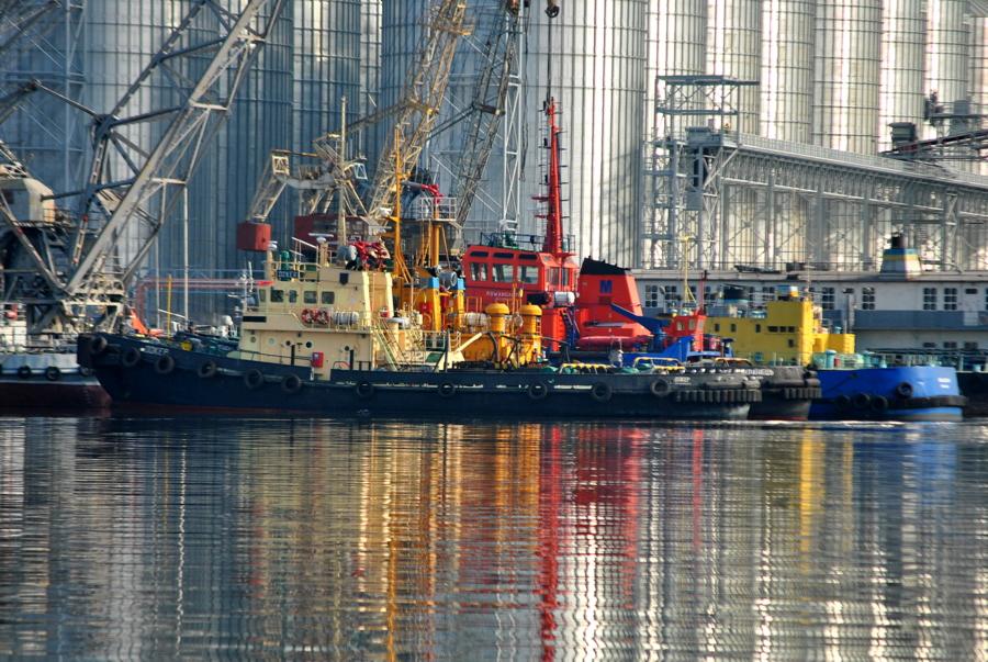 В Каботажной гавани