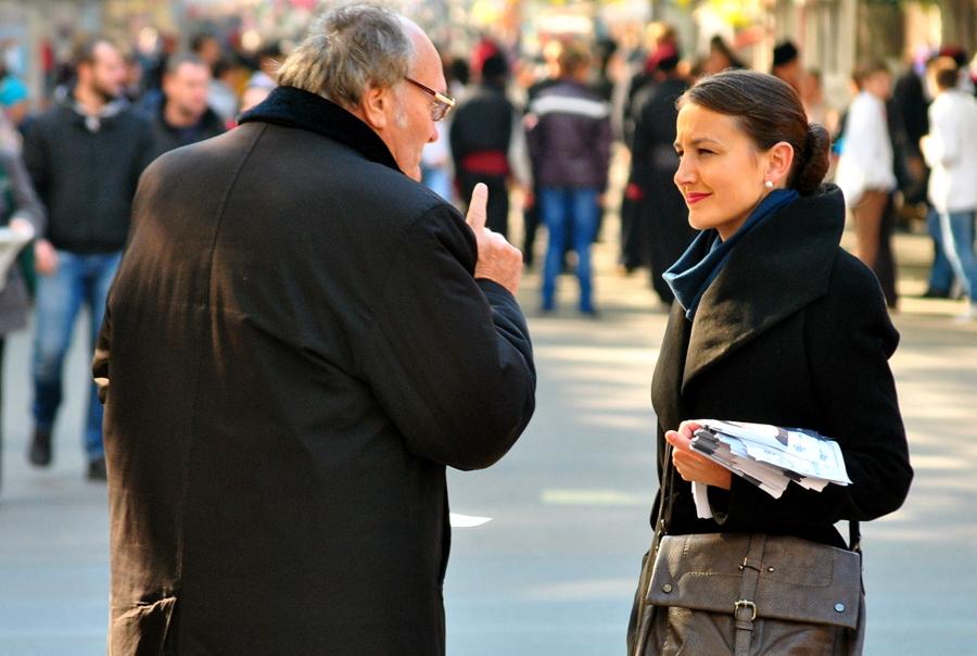 Лидер Демальянса Евгения Матейчук проводит встречи с избирателями на ул. Соборной