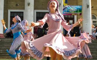 Виступ хореографічного колективу Оксамит