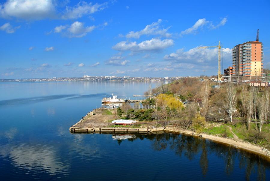Вид на Южный Буг с Варваровского моста