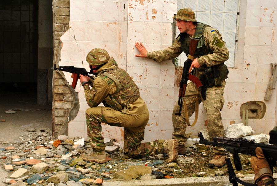 Учебный бой: Штурм здания