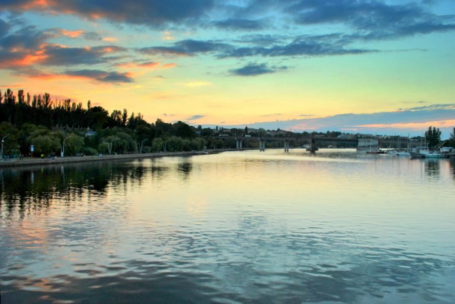 Вид на Ингульский мост и Флотский бульвар