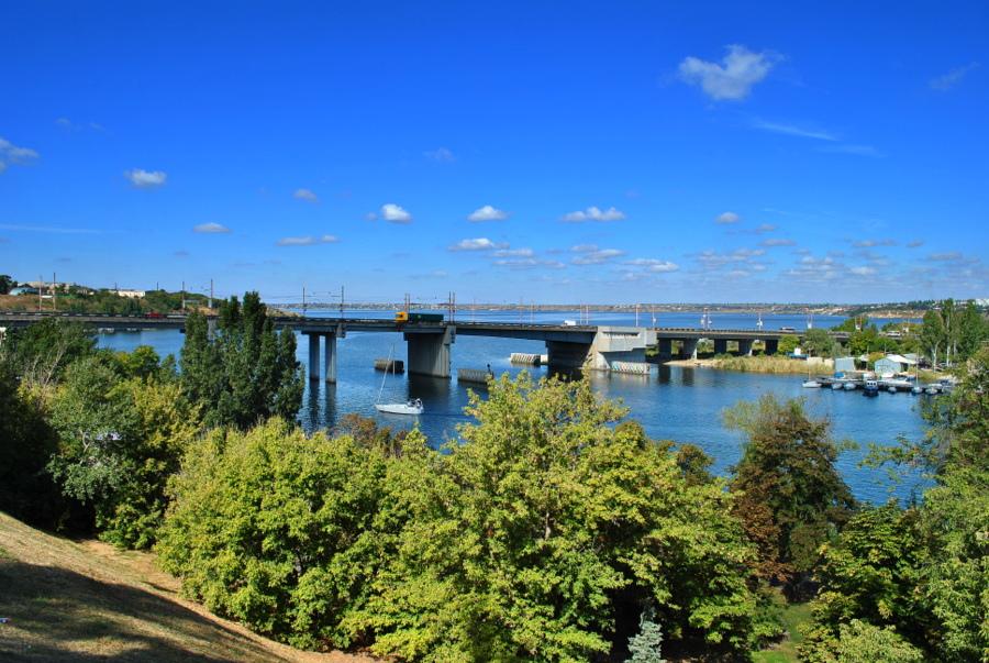 Вид на Ингульский мост