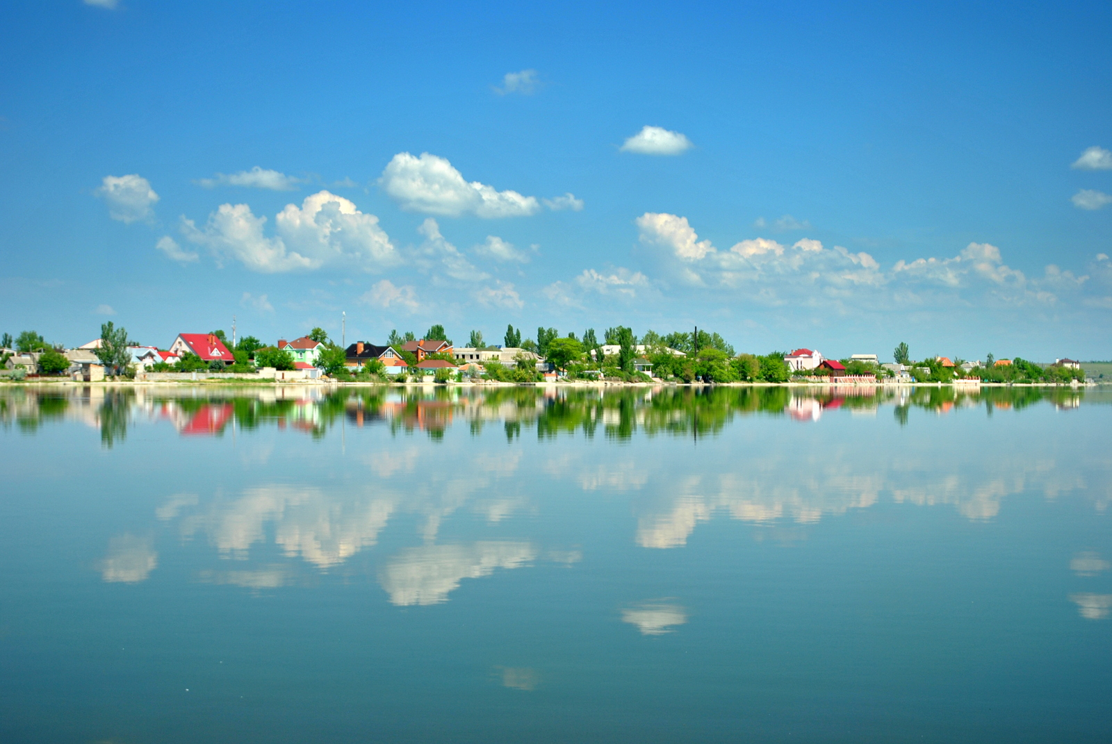 Узбережжя Південного Бугу у районі Варваровки