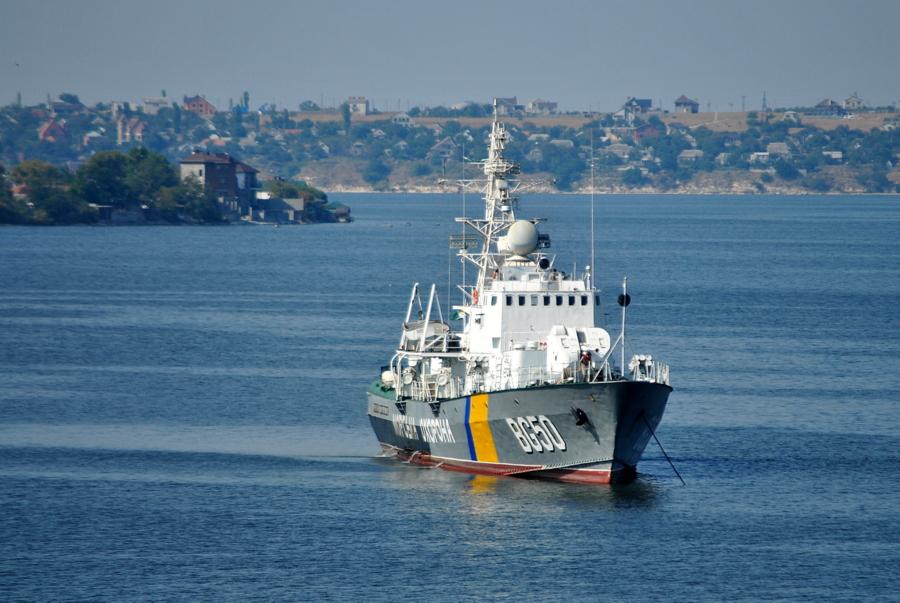 Корабли заходят на ремонт на завод им. 61-го Коммунара